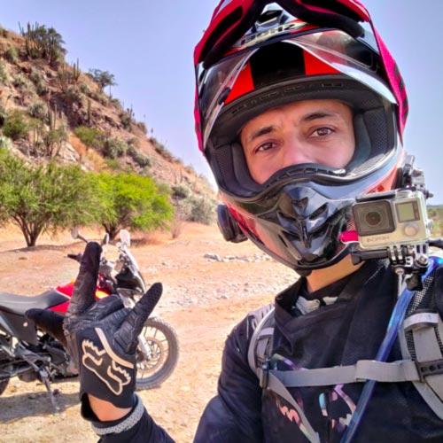jorge-aravena-embajador-atlantis-moto