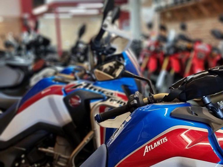 pau-travel-moto-motos-atlantis-moto-1024