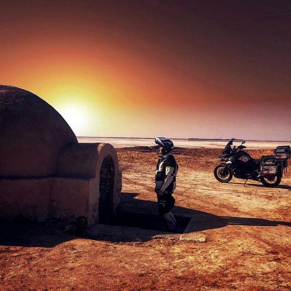 perla-negra-viajes-embajadores-atlantis-moto