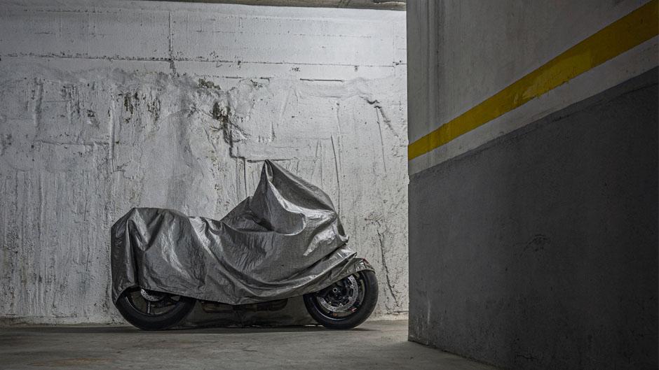 moto parking